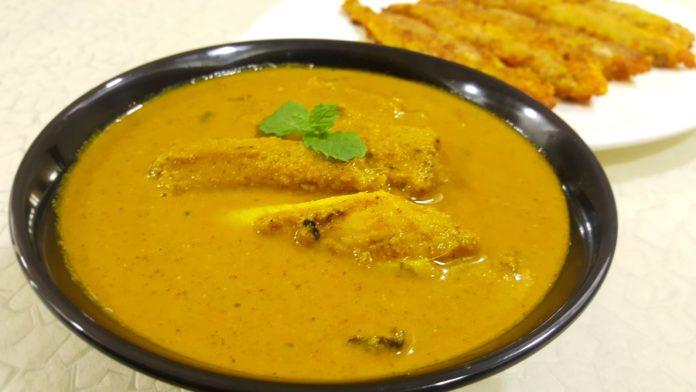 Maharashtrian Bombil curry